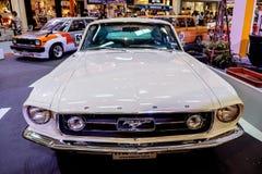 曼谷,泰国, - 2018年3月11日:葡萄酒汽车Ford Mustang谢尔比GT 500在Seacon广场的一个经典汽车展示会显示了 库存图片