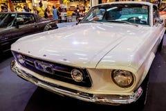 曼谷,泰国, - 2018年3月11日:葡萄酒汽车Ford Mustang谢尔比GT 500在Seacon广场的一个经典汽车展示会显示了 免版税库存照片