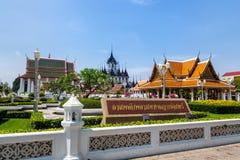曼谷,泰国,3月2013年Rajanaddaram寺庙Worawihan,Wat Rajanadda,是早期的Rattanakosin期间的寺庙 免版税库存图片