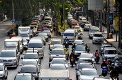 曼谷,泰国:晚上高峰时间交通 免版税库存照片