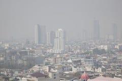曼谷,泰国- 2018年2月8日:与大气污染的曼谷地平线 库存图片