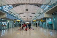 曼谷,泰国- 2018年2月01日:内部看法在廊曼国际机场的到来霍尔,终端2是 库存照片
