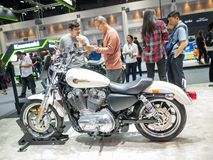 曼谷,泰国- 2018年11月30日:哈利戴维森摩托车和辅助部件在泰国国际马达商展2018马达 图库摄影