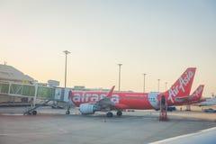 曼谷,泰国- 2018年2月01日:商用飞机美好的室外看法在曼谷等待离开 免版税库存照片