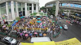 曼谷,泰国- 2018年11月9日:四面佛,崇拜印度神的著名地方时间间隔在君悦酒店前面唔 股票录像