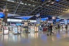 曼谷,泰国- 2017年12月26日:在终端素万那普机场里面 免版税库存图片