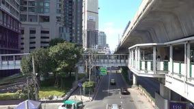 曼谷,泰国- 2017年12月7日:在路的交通堵塞,素坤逸路,曼谷 股票视频