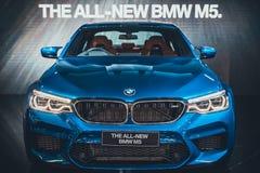 曼谷,泰国- 2018年4月4日:在阶段的新的BMW M5显示在BMW摊事件的第39个曼谷国际汽车展示会2018年 免版税库存照片