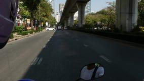 曼谷,泰国- 2018年12月18日:快速的运动通过堵车在一个人口过剩的亚洲城市 从的看法 影视素材