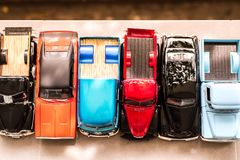 曼谷,泰国- 2017年10月16日:汽车与迷离室外background2017的玩具模型 免版税库存照片