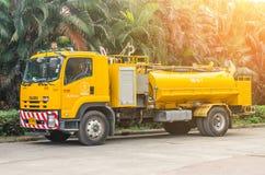 曼谷,泰国- 2016年12月25日:泰国的浇灌的卡车 免版税库存照片
