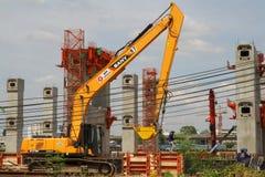 曼谷,泰国- 2015年6月7日:MRT中心线天空火车Co 免版税库存照片