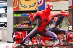 曼谷,泰国- 2018年8月11日 - 卖在奇迹经验大型商场的蜘蛛人玩具在曼谷泰国 免版税图库摄影