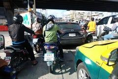 曼谷,泰国- 2018 9月30日,从司机看法的交通堵塞  库存图片