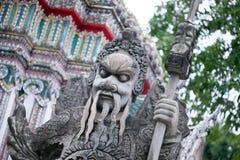 曼谷,泰国10月2013 8日,在寺庙复杂Wat Phra,曼谷泰国的雕象 库存照片