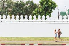 曼谷,泰国- 2016 10月19日,在曼谷, Tha参观曼谷玉佛寺和走著名街道,一个主要旅游胜地 免版税图库摄影