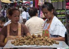 曼谷,泰国- 9月17日:一个摊贩在S的唐人街 库存图片