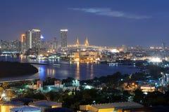 曼谷,泰国- 2016年1月16日:与城市的曼谷地平线 图库摄影