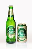 曼谷,泰国- 2015年12月16日:啤酒在白色背景的张罐头生产了泰国 免版税库存图片