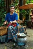 曼谷,泰国- 2014年12月30日:未认出的人displa 图库摄影