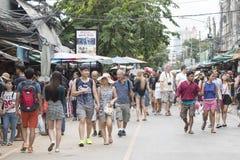 曼谷,泰国- 2015年11月07日:未认出的旅游商店 库存图片