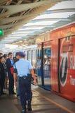 曼谷,泰国- 2017年3月8日:未认出的治安警卫o 免版税库存图片