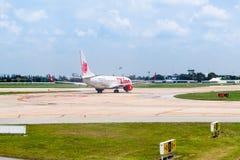 曼谷,泰国- 2017年4月13日:波音737-800泰国狮航 免版税库存图片