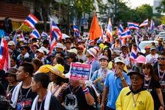曼谷,泰国- 2014年1月13日:泰国反政府抗议者 库存照片