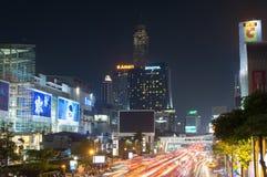 曼谷,泰国- 2016年10月13日:泰国广场,夜视图wi 免版税库存图片