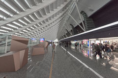 曼谷,泰国- 2016年11月29日:素万那普机场在曼谷,泰国 离开部分 释放界面税务 库存照片