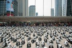 曼谷,泰国- 2016年3月8日:1600只纸Mache熊猫阵营 免版税库存图片