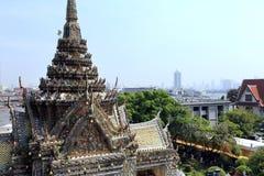 曼谷,泰国- 2014年12月15日:黎明寺(晓寺) 免版税图库摄影