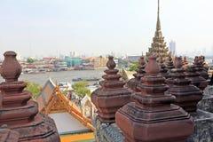 曼谷,泰国- 2014年12月15日:黎明寺(晓寺) 免版税库存照片