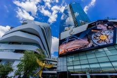 曼谷,泰国- 2015年11月22日:Emquartier商城(特别EM区国际水平的购物)在BTS Phrom 免版税图库摄影
