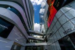 曼谷,泰国- 2015年11月22日:Emquartier商城(特别EM区国际水平的购物)在BTS Phrom 免版税库存图片