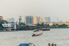 曼谷,泰国- 2016年10月14日:Siriraj医院视图从 免版税库存图片