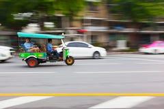 曼谷,泰国- 2016年10月02日:Tuktuk在街市曼谷 免版税库存图片