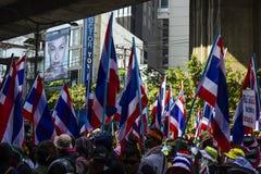 曼谷,泰国– 1月30 :抗议者关闭了曼谷t 免版税库存照片