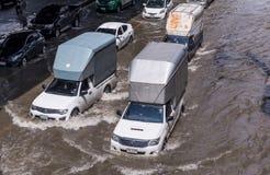 曼谷,泰国- 10月14,2017 :泰国洪水看法在Ratchada-Ladprao路的 库存图片
