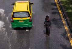 曼谷,泰国- 10月14,2017 :泰国洪水看法在Ratchada-Ladprao路的 免版税库存照片