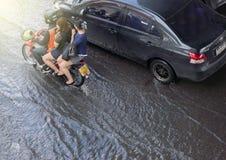 曼谷,泰国- 10月14,2017 :泰国洪水看法在Ratchada-Ladprao路的 库存照片