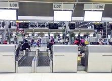 曼谷,泰国- 3月22 :登记柜台在素万那普 库存照片