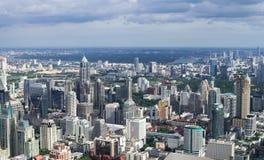 曼谷,泰国- 7月13 :从BaiYok2大厦whi的顶视图 免版税库存图片