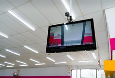 曼谷,泰国- 11月04 :MaxValu超级市场使用CCTV 库存图片