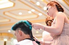 曼谷,泰国- 12月14 :Nira发型competiton  库存图片