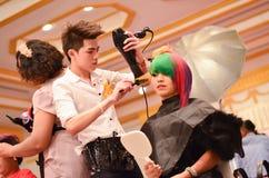 曼谷,泰国- 12月14 :Nira发型competiton  免版税库存照片