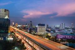 曼谷-10月30日:大厦和高方式建筑学t的 免版税图库摄影