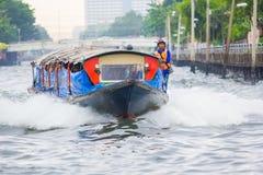 曼谷- 2016年5月22日:旅行在Saen-Saeb运河船,公众b 免版税图库摄影