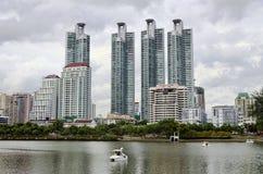 曼谷-7月19日:benjakitti公园, benjakitti公园看法是 库存照片