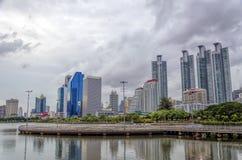 曼谷-7月19日:benjakitti公园, benjakitti公园看法是 免版税库存照片